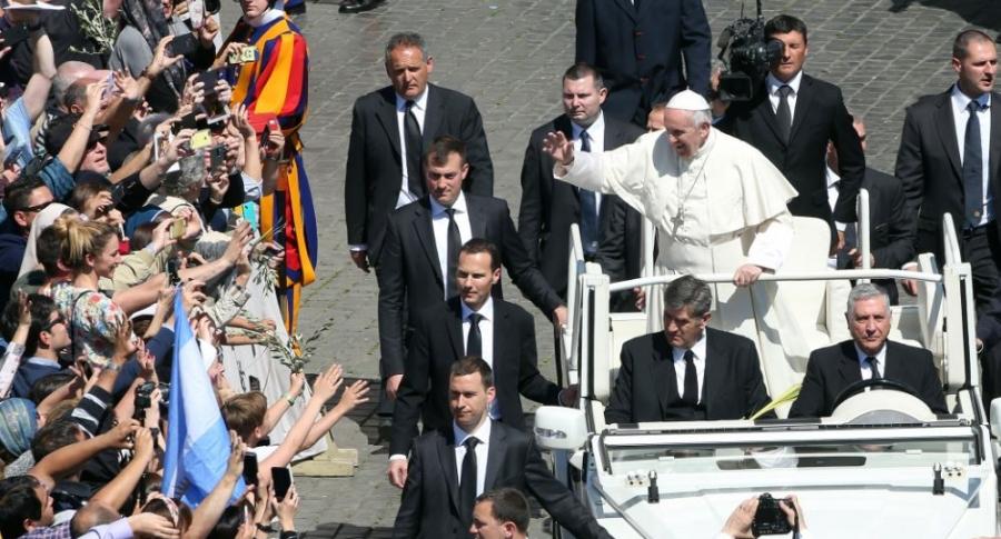 Resultado de imagen para Seguridad del papa
